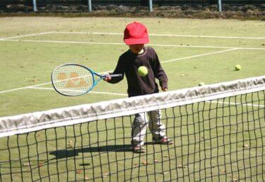 【テニス】ゆっくりスイングと速くスイングどっちが難しい?